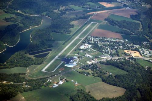 Samuels Field / Bardstown-Nelson County Airport - Bardstown, KY